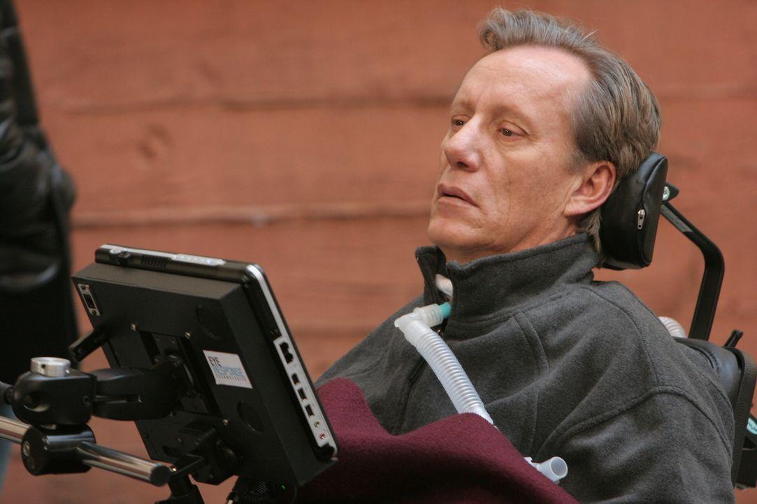 Dr. Nate Lennox (James Woods) leidet an Multiple Sklerose, einer Krankheit, die in einzelnen Schüben fortschreitet und nach und nach die gesamte Mus... - Bildquelle: Warner Bros. Television