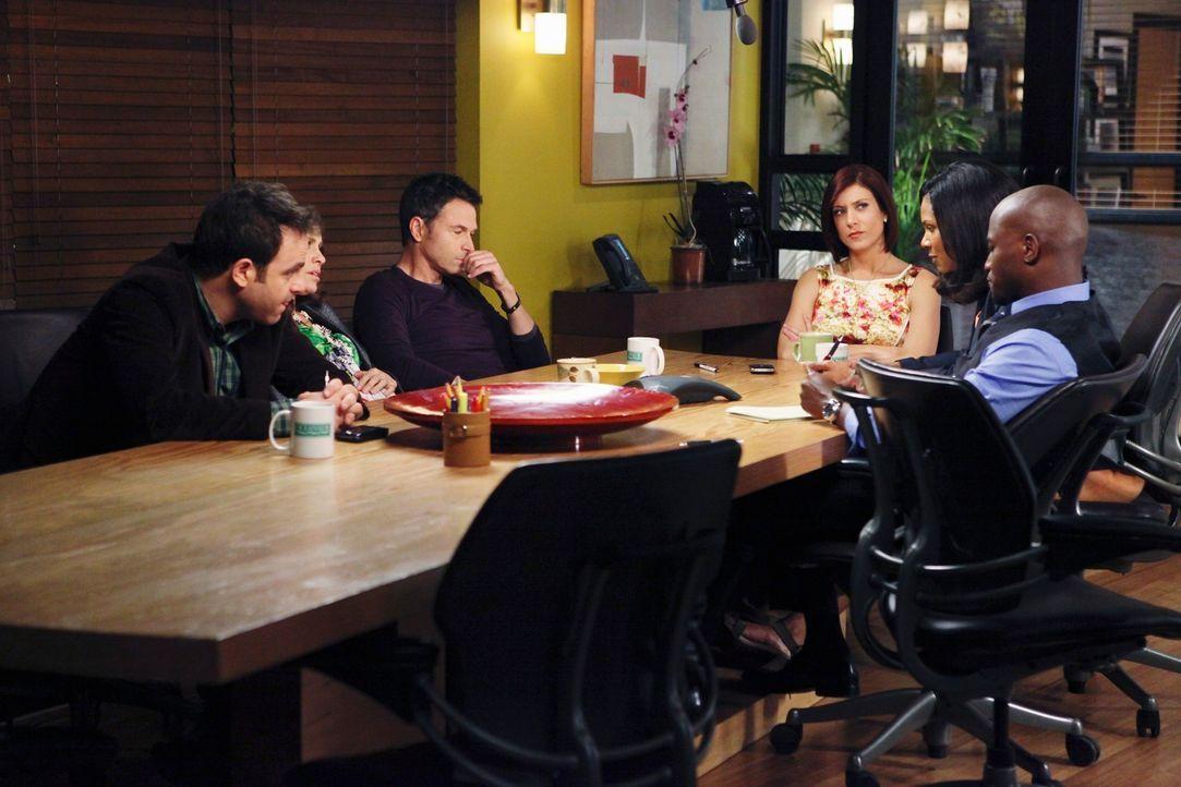 Müssen einen schwerwiegend Fehler ausbaden: Violet (Amy Brenneman, 2.v.l.), Pete (Tim Daly, 3.v.l.), Naomi (Audra McDonald, 2.v.r.), Addison (Kate W... - Bildquelle: ABC Studios