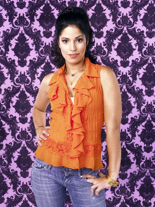 """(1. Staffel) - Hilda (Ana Ortiz), Bettys Schwester, schlägt sich mit dem Verkauf eines Diät-Wunderpräparats """"Herbalux"""" durch ... - Bildquelle: Buena Vista International Television"""