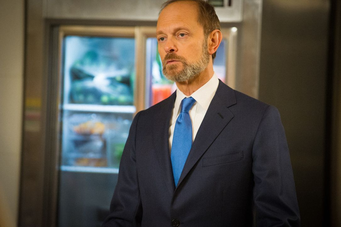 Als das TV-Duell zwischen Alicia und Frank Prady (David Hyde Pierce) wegen eines Gerichtsurteils, welches zu Rassenunruhen in Chicago führen könnte,... - Bildquelle: Jeffery Neira 2014 CBS Broadcasting Inc. All Rights Reserved.