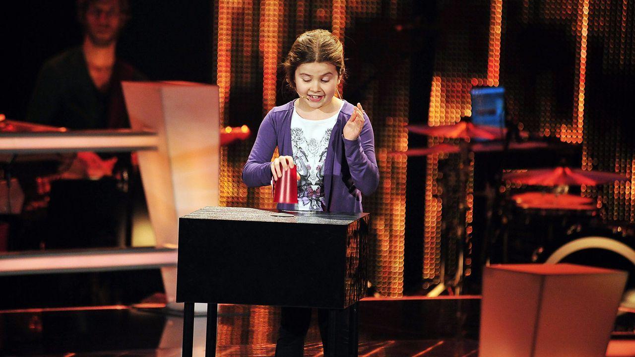 The-Voice-Kids-Stf02-Epi05-Larissa-11-SAT1-Andre-Kowalski - Bildquelle: SAT.1/Andre Kowalski