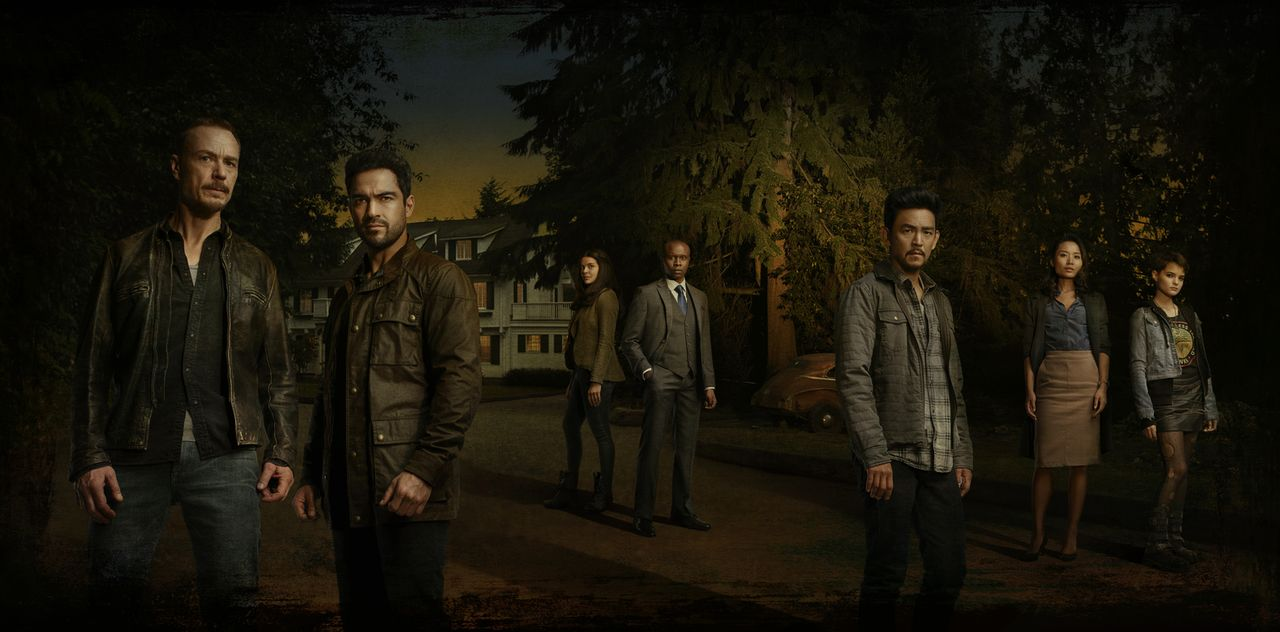 (2. Staffel) - Dunkle Mächte bedrohen (v.l.n.r.) Pater Marcus (Ben Daniels), Pater Tomas (Alfonso Herrera), Mouse (Zuleikha Robinson), Pater Bennett... - Bildquelle: 2017 Fox and its related entities.  All rights reserved.