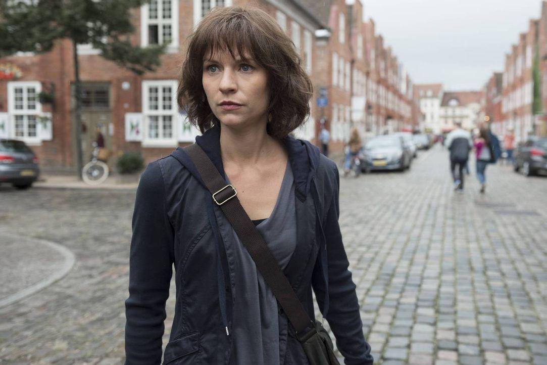 Während Carrie (Claire Danes) Kontakt mit ein paar alten Freunden aufnimmt, die ihr helfen könnten, soll Saul nach Langley überführt  werden ... - Bildquelle: 2015 Showtime Networks, Inc., a CBS Company. All rights reserved.