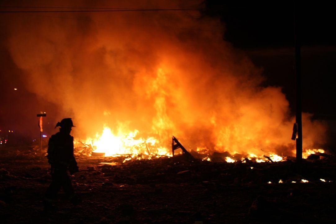 Was führte zu der fatalen Explosion in San Bruno (Kalifornien) bei dem acht Anwohner ums Leben kamen und viele Menschen ihr Zuhause verloren? - Bildquelle: 2015 A&E TELEVISION NETWORKS, LLC. ALL RIGHTS RESERVED.