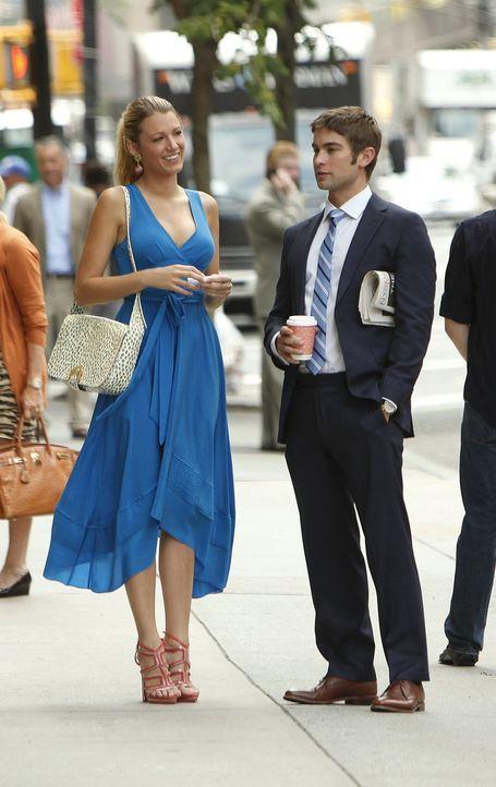 Nate (Chace Crawford, r.) ist froh, dass Serena (Blake Lively, l.) wieder nach New York zurückgekehrt ist ... - Bildquelle: Warner Brothers