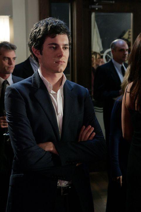 Seth (Adam Brody) glaubt, dass Ryan noch nicht bereit ist für eine neue Beziehung. Wird er Recht behalten? - Bildquelle: Warner Bros. Television
