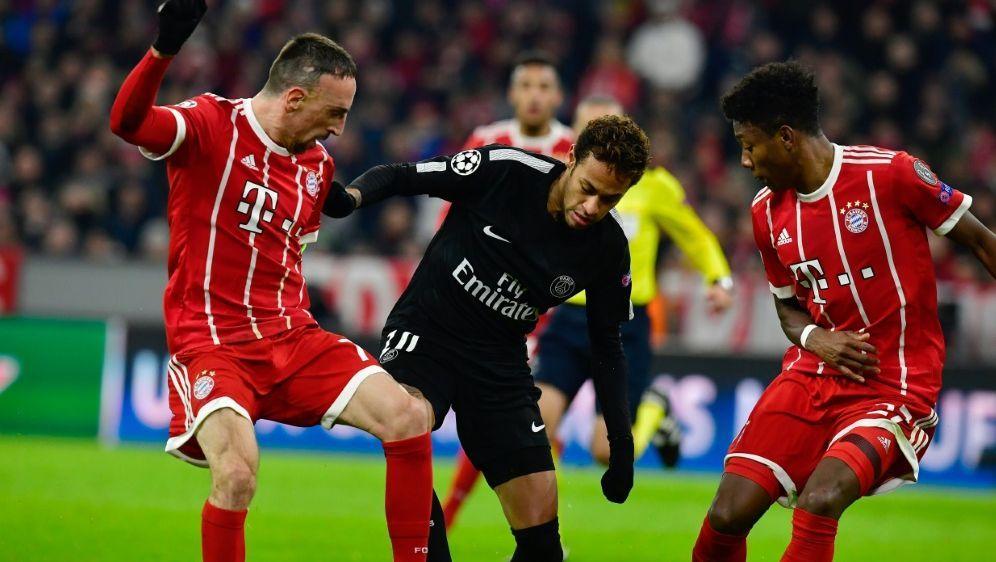 Rückkehr als Kapitän: Bayerns Franck Ribery (l.) - Bildquelle: AFPSIDTOBIAS SCHWARZ