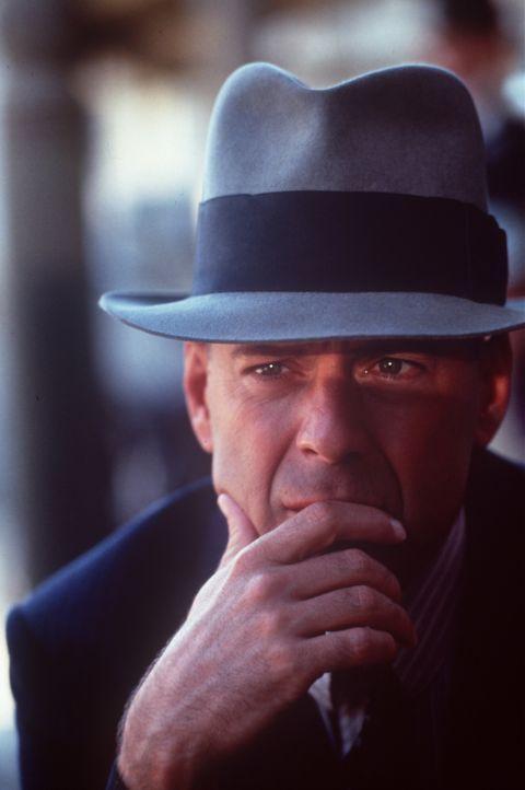 Ein schweigsamer Einzelgänger (Bruce Willis) kommt in die kleine Stadt Jericho und beginnt, als John Smith mit den rivalisierenden Banden dort aufzu... - Bildquelle: New Line Cinema