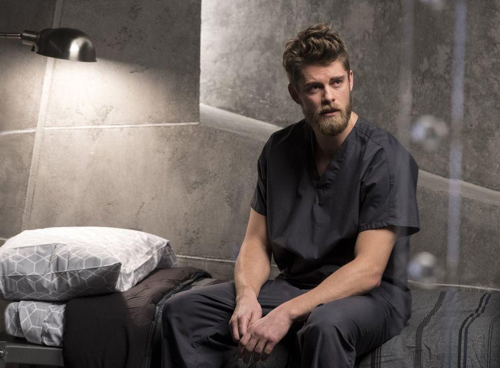 Noch ahnt Roman (Luke Mitchell) nicht, dass sich seine Schwester in der Hand grausamer und perverser Entführer befindet ... - Bildquelle: Warner Brothers