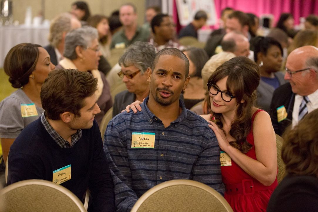 Auf einer Lehrerkonferenz erhalten Ryan (Julian Morris, l.), Jess (Zooey Deschanel, r.) und Coach (Damon Wayans Jr., M.) mehr als nur Lehrtipps ... - Bildquelle: 2014 Twentieth Century Fox Film Corporation. All rights reserved.