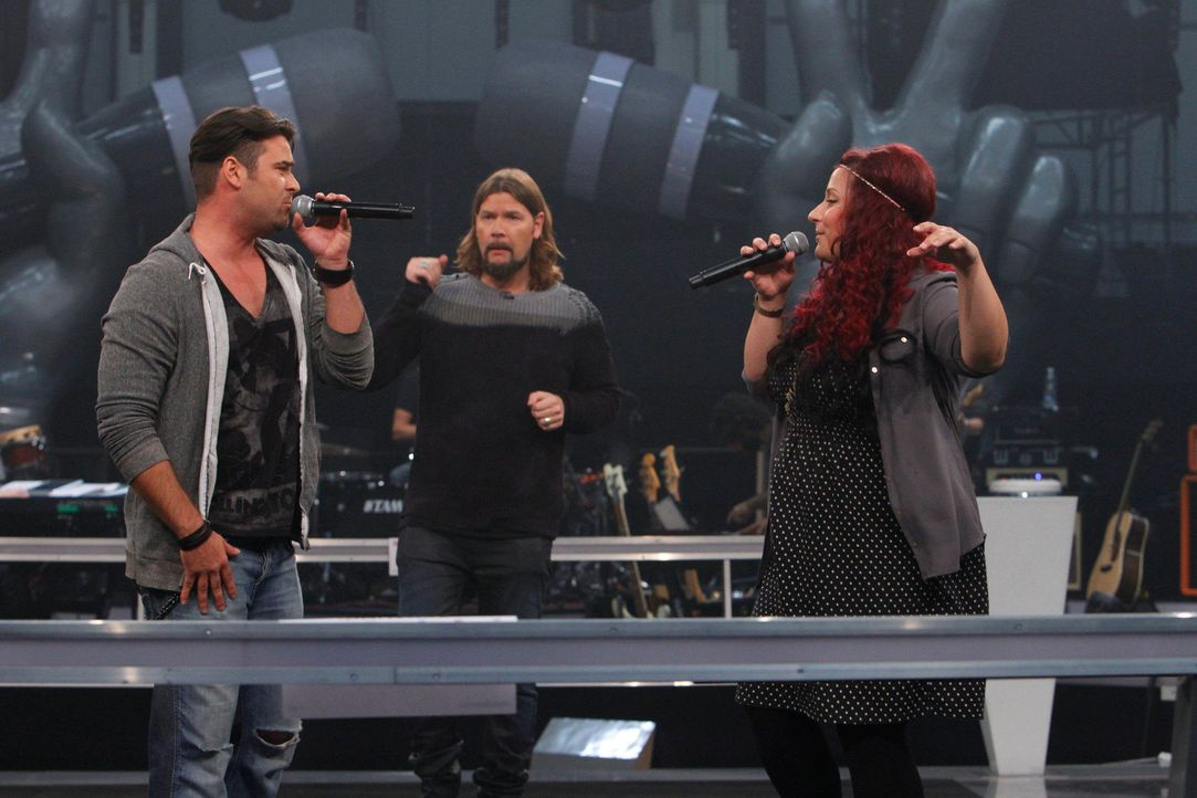 battle-sebastian-vs-karo-02-the-voice-of-germany-huebnerjpg 2160 x 1440 - Bildquelle: SAT.1/ProSieben/Richard Hübner