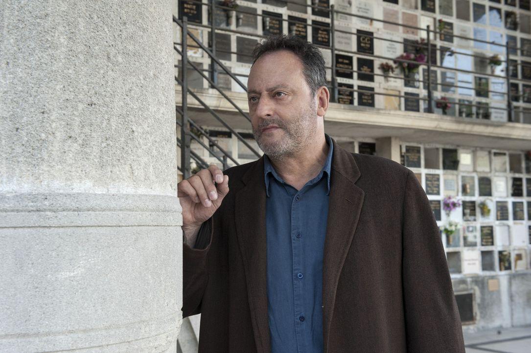 Jo Saint-Clair (Jean Reno) gilt als einer der besten Ermittler in Paris. Mit langjähriger Erfahrung und viel Kaltschnäuzigkeit löst er jeden Fall... - Bildquelle: Stéphanie Dupont Atlantique Productions