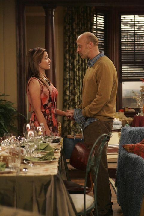 Lily (Alyson Hannigan, l.)und Marshall feiern zum ersten Mal in ihrer eigenen Wohnung Thanksgiving. Dazu laden sie ihre Freunde ein. Doch überrasch... - Bildquelle: 20th Century Fox International Television