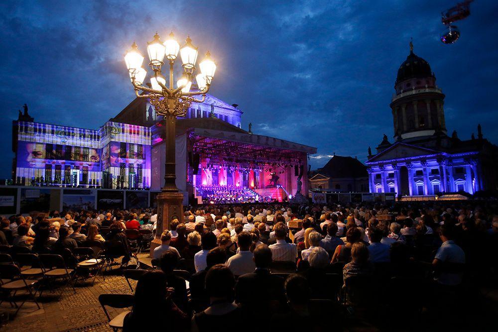 Gendarmenmarkt bei Konzert - Bildquelle: DAVIDS/Sven Darmer