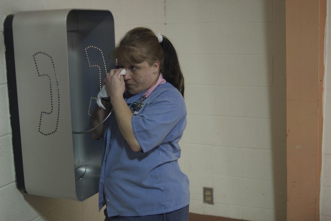 Der erste Anruf bei sich Zuhause, treibt Jodi Fetty die Tränen in die Augen ... - Bildquelle: Alexandra Meistrell 2010 NGC Network US, LLC All Rights Reserved