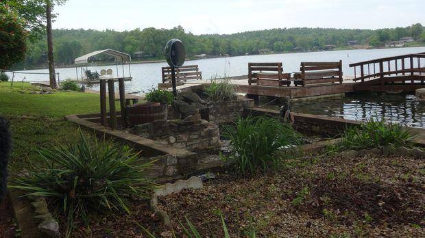 Ein Anwesen am Cherokee Village, Arkansas, ist für Ted und Amanda ein absolut...