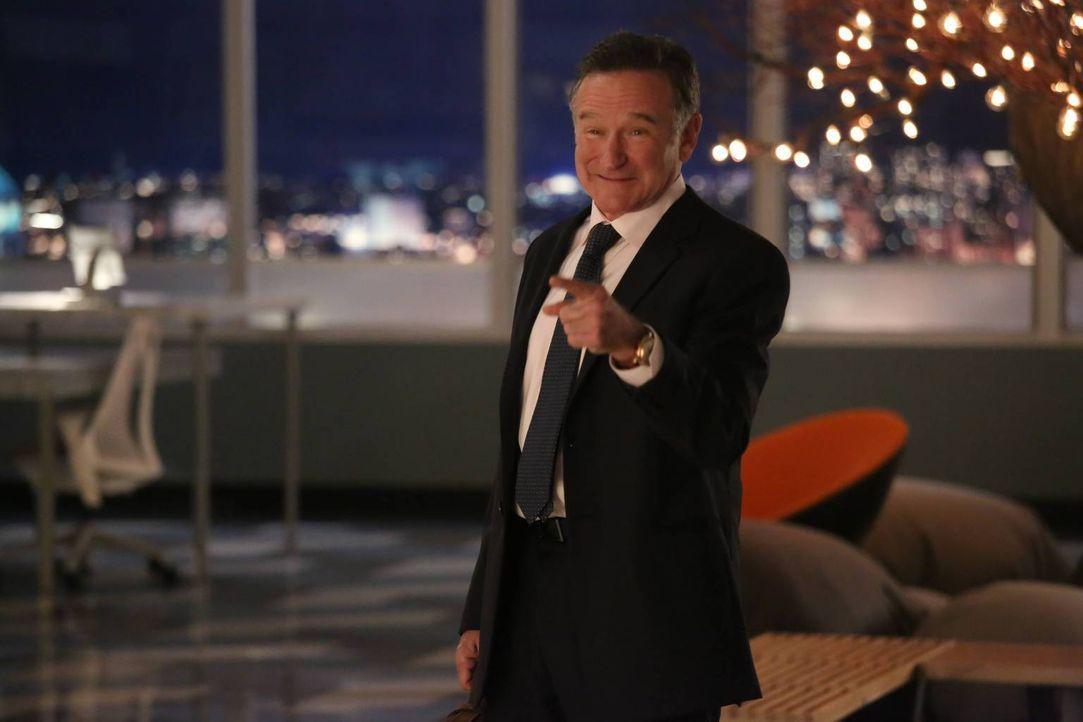 Simon Roberts (Robin Williams) ist ein ganz besonderer Chef, einer ganz besonderen Werbeagentur ... - Bildquelle: 2013 Twentieth Century Fox Film Corporation. All rights reserved.