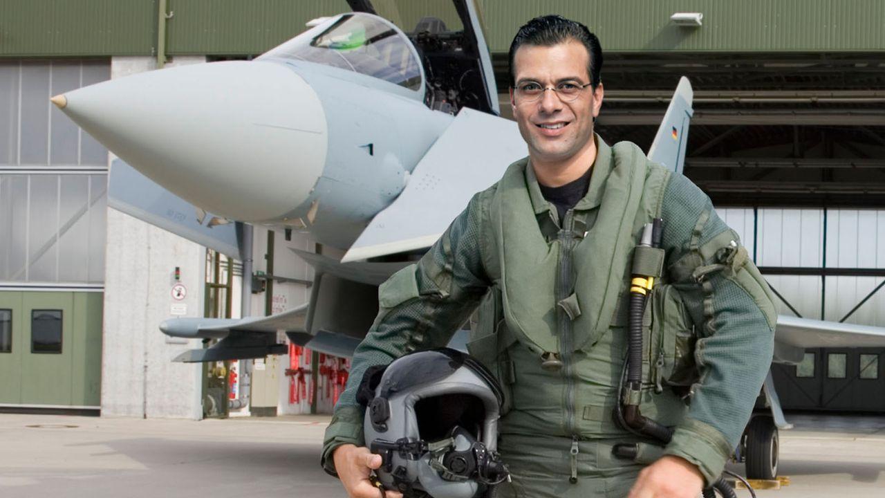 Der-Minister-03-Eurofighter-Hardy-Brackmann-SAT1 - Bildquelle: SAT.1/Hardy Brackmann