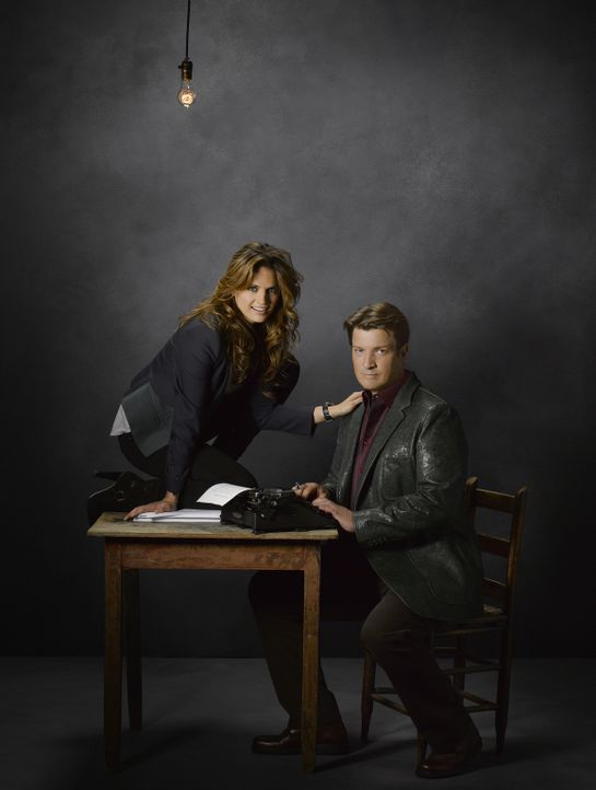 (5. Staffel) - Werden sie auch weiterhin als Team zusammenarbeiten? Richard Castle (Nathan Fillion, r.) und Kate Beckett (Stana Katic, l.) ... - Bildquelle: ABC Studios