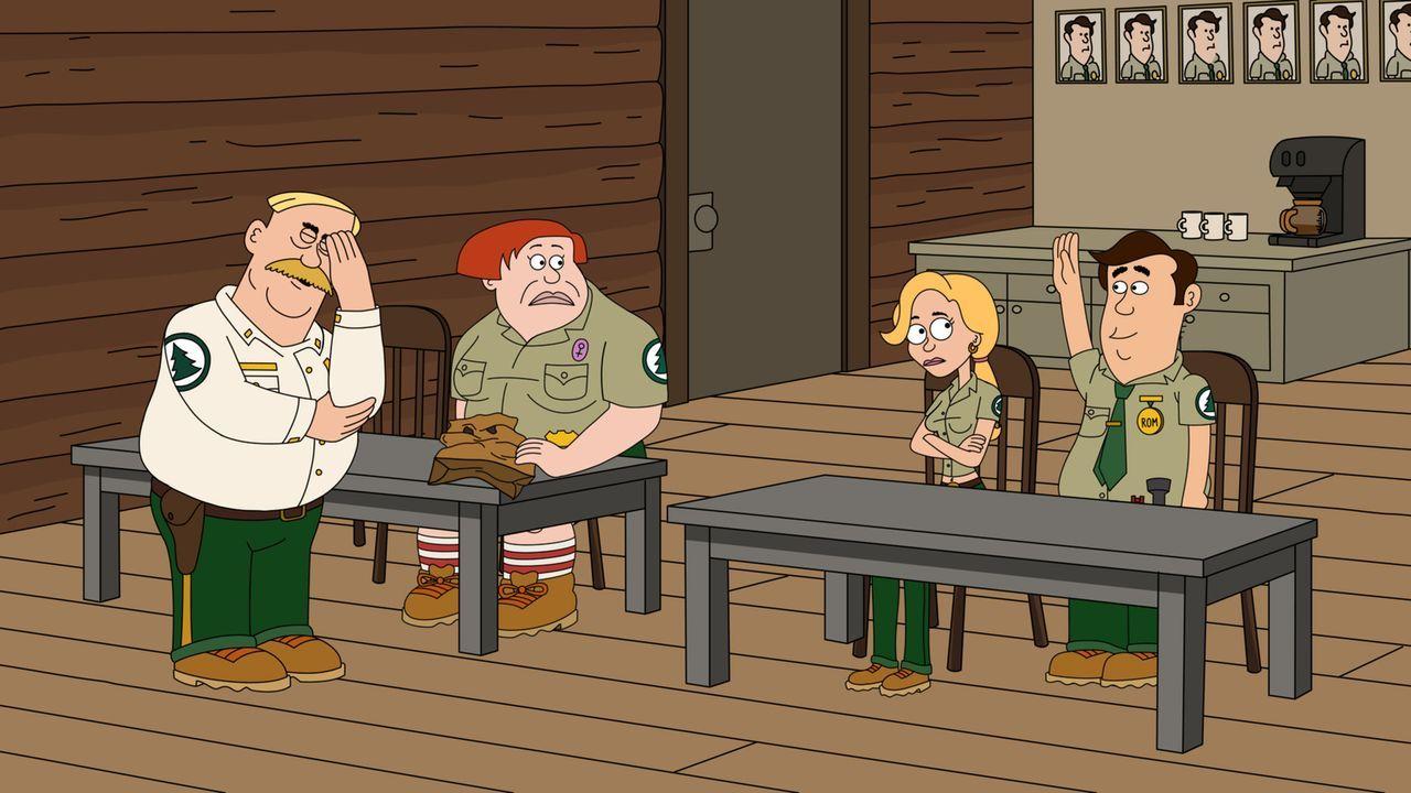 Als Woody (l.) mit seinen Mitarbeitern Connie (2. v. l.), Ethel (2. v. r.) und Steve (r.) nach einem Besuchermagneten für den Nationalpark sucht, wi... - Bildquelle: 2012 Twentieth Century Fox Film Corporation and Comedy Partners. All rights reserved.