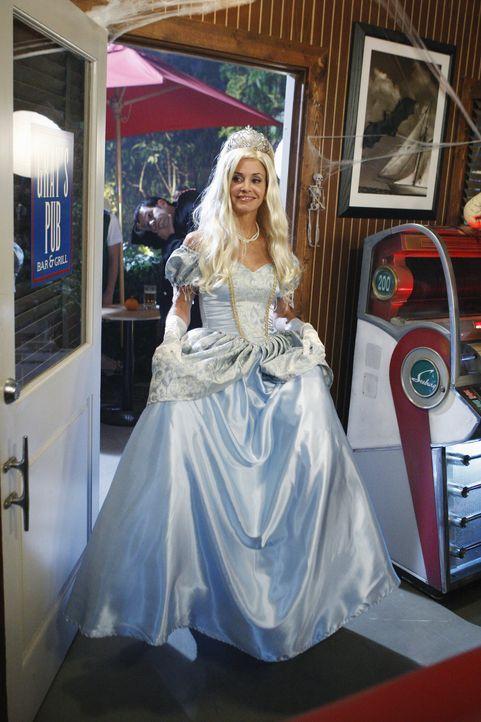 Ist bereit für Halloween: Jules (Courteney Cox) ... - Bildquelle: 2010 ABC INC.