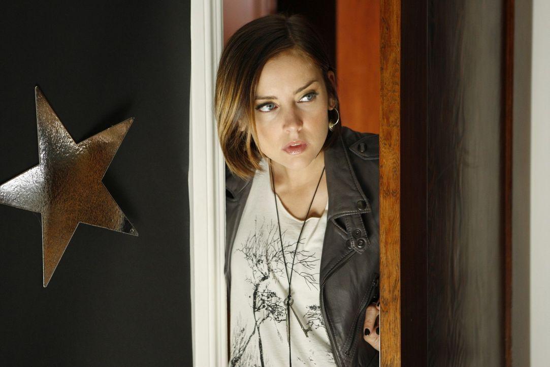 Wird Silver (Jessica Stroup) die Überraschung gefallen? - Bildquelle: TM &   CBS Studios Inc. All Rights Reserved