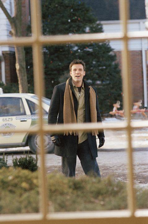 Drew Latham (Ben Affleck) sieht einem weiteren einsamen Weihnachten entgegen. Er entscheidet sich, die glücklichen Weihnachten aus Kindertagen, noc... - Bildquelle: Telepool GmbH