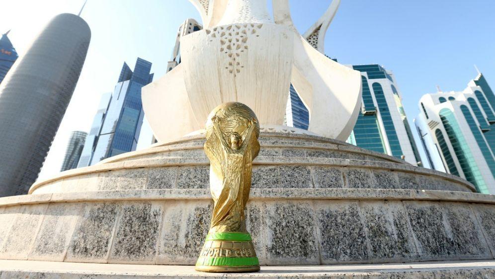Bei der WM 2022 wird es auch Spiele zur Mittagzeit geben - Bildquelle: FIROFIROSID