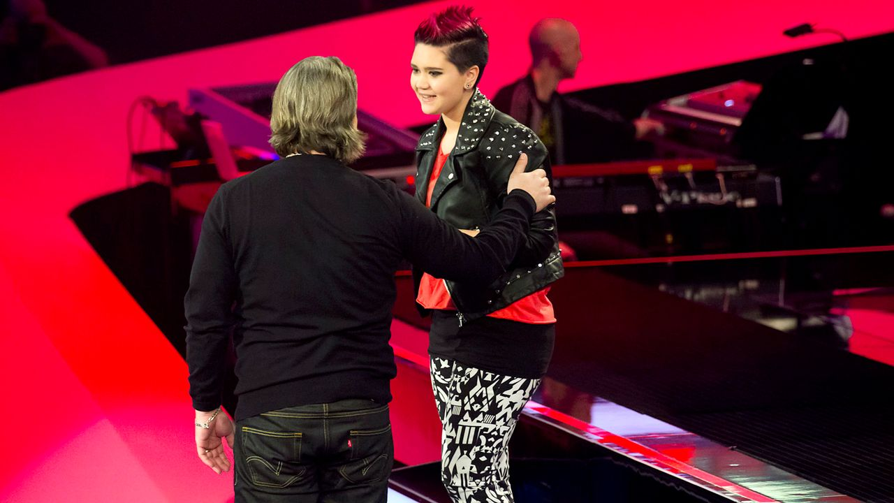 The-Voice-Kids-epi03-danach-Louisa-SAT1-Richard-Huebner - Bildquelle: SAT.1/Richard Hübner