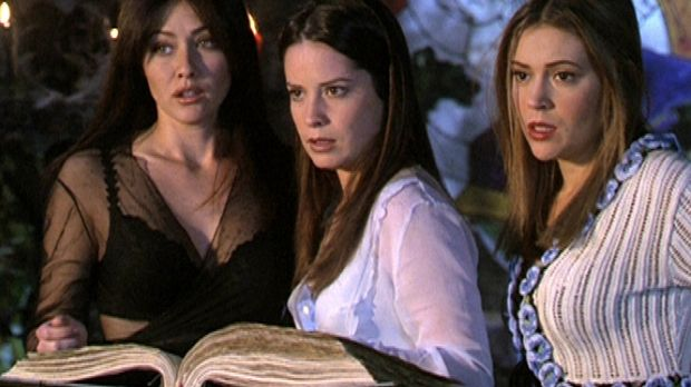 (v.l.n.r.) Prue (Doherty Shannen), Piper (Marie Holly Combs) und Phoebe (Alys...
