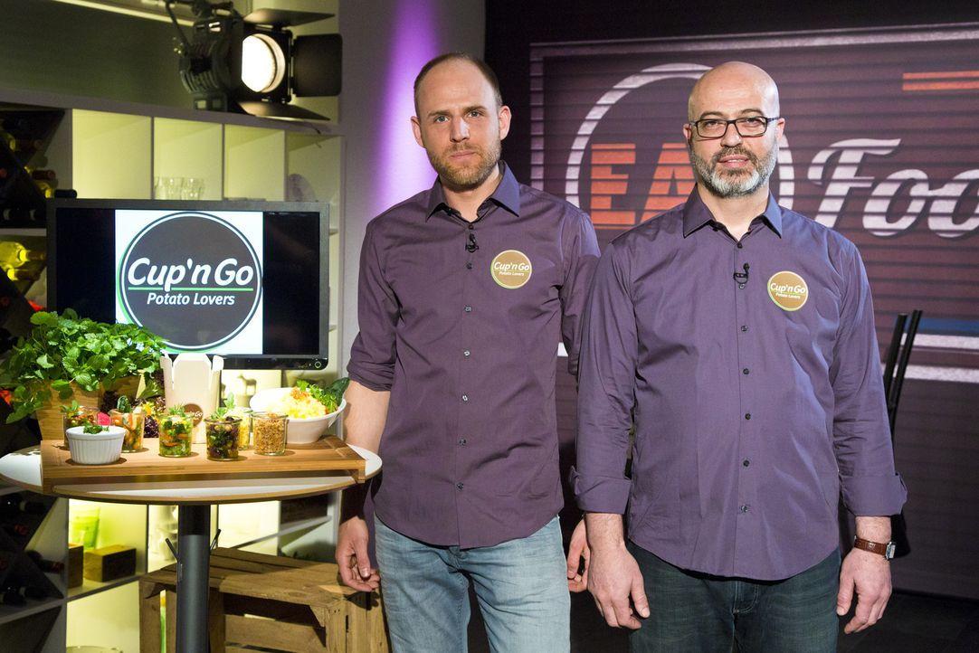 """Wie werden sich Lucas Boderius und Resul Cetin von """"Cup'n Go"""" im Kampf um das Startkapital schlagen? - Bildquelle: kabel eins"""