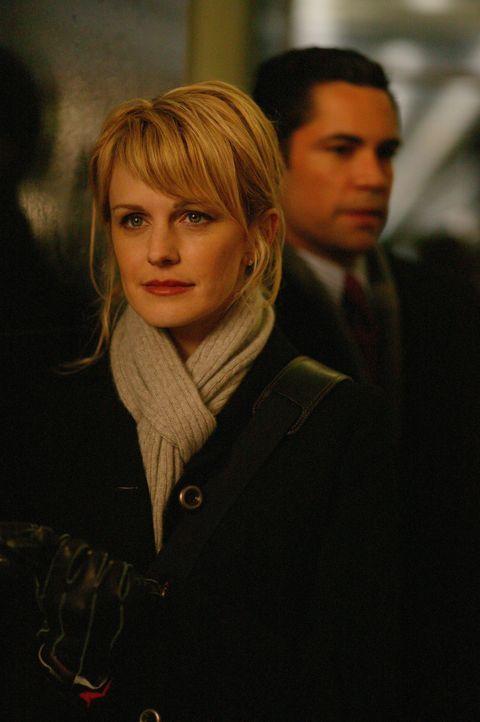 Noch immer ist das Verhältnis zwischen  Det. Lilly Rush (Kathryn Morris, l.) und Det. Scott Valens (Danny Pino, r.) sehr angespannt ... - Bildquelle: Warner Bros. Television
