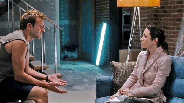 Janine (Jennifer Connelly, r.) und ihr Ehemann Ben (Bradley Cooper, l.) leben...