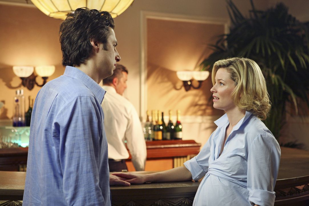 Auf einer Chirurgen-Tagung trifft J.D. (Zach Braff, l.) auf seine Ex-Freundin Kim (Elizabeth Banks, r.). Sie bittet ihn nun um Verzeihung- und um se... - Bildquelle: Touchstone Television
