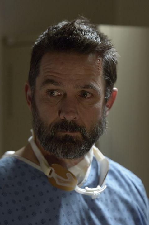 Wird Alan (Billy Campbell) tatsächlich auf der Insel sterben? - Bildquelle: Philippe Bosse 2014 Syfy Media, LLC