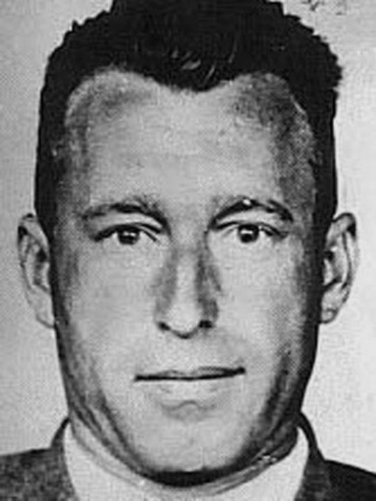 Franz Paul Stangl war der österreichischer Verwaltungsleiter in der NS-Tötungsanstalt Hartheim und der NS-Tötungsanstalt Bernburg sowie Lagerkommand...