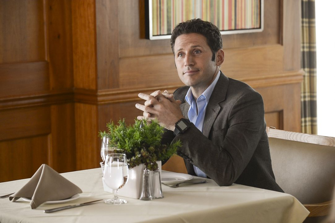 Dr. Hank Lawson (Mark Feuerstein) - Bildquelle: David Giesbrecht 2012 USA Network Media, LLC/David Giesbrecht
