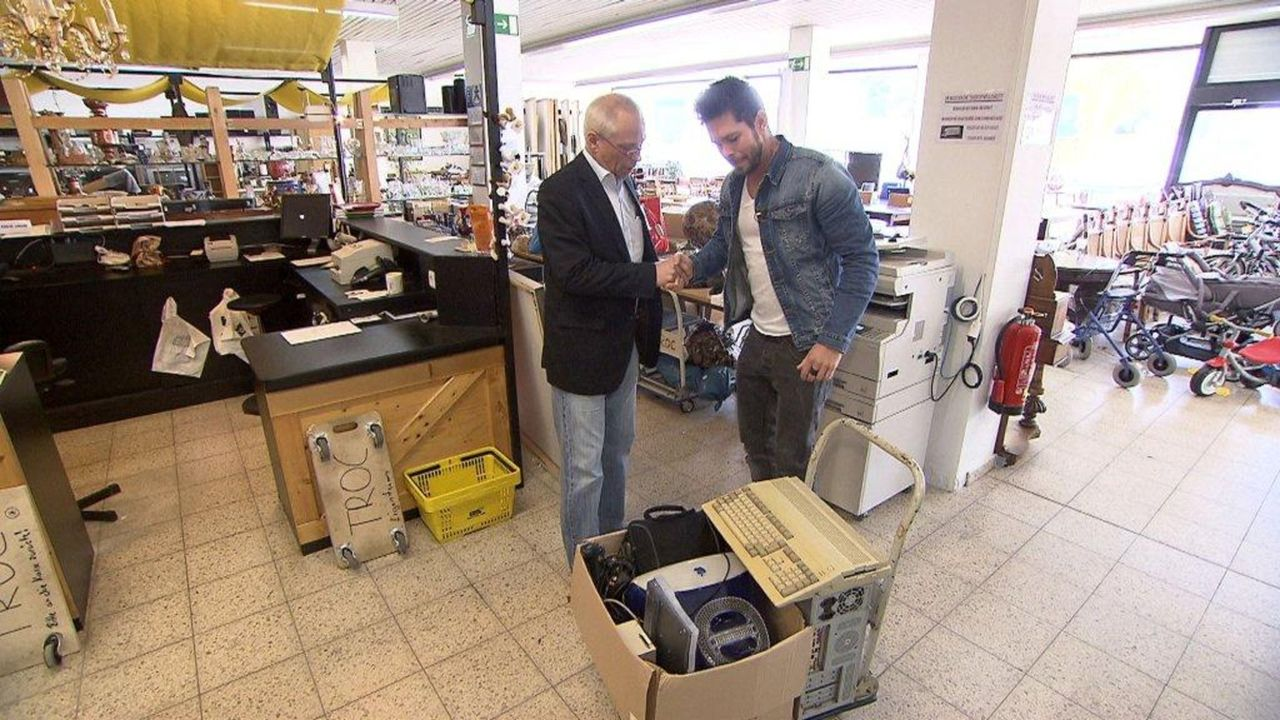 Der neue Computer ist gekauft, aber wohin mit dem alten? Cash for Trash Reporter Carsten macht sich auf die Suche nach dem besten Preis für Laptop,... - Bildquelle: kabel eins