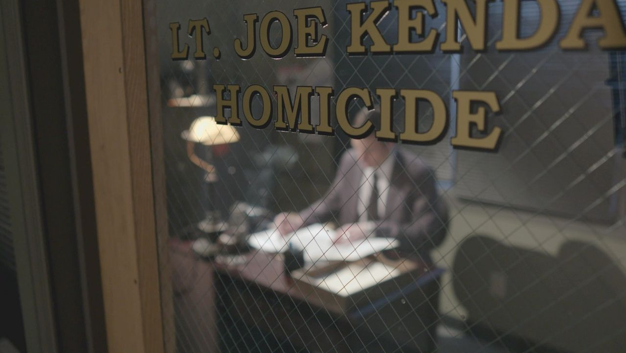Ein komplizierter Fall hält Lt. Carl Kenda und seine Kollegen in Atem ... - Bildquelle: Jupiter Entertainment