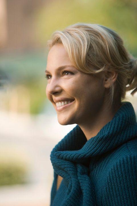 Glückliche Liebe: Auch wenn sie überall im Krankenhaus Denny sieht, ist Izzie (Katherine Heigl) total verliebt in ihren Kollegen Alex ... - Bildquelle: Touchstone Television