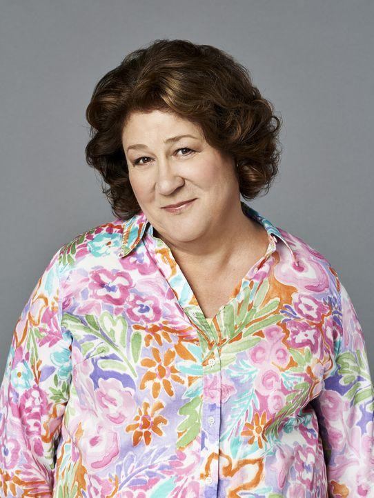 (1. Staffel) - Als sich ihr Mann nach 43 Jahren scheiden lassen möchte, nistet sich Carol (Margo Martindale) kurzerhand bei ihrem Sohn ein und mach... - Bildquelle: 2013 CBS Broadcasting, Inc. All Rights Reserved.