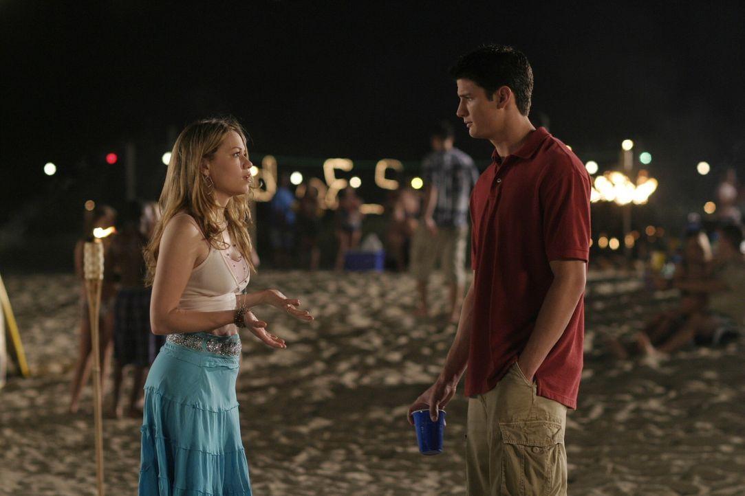 Haben sie noch eine Chance? Haley (Bethany Joy Galeotti, l.) will auf jeden Fall fest daran glauben, dass wie wieder mit Nathan (James Lafferty, r.)... - Bildquelle: Warner Bros. Pictures