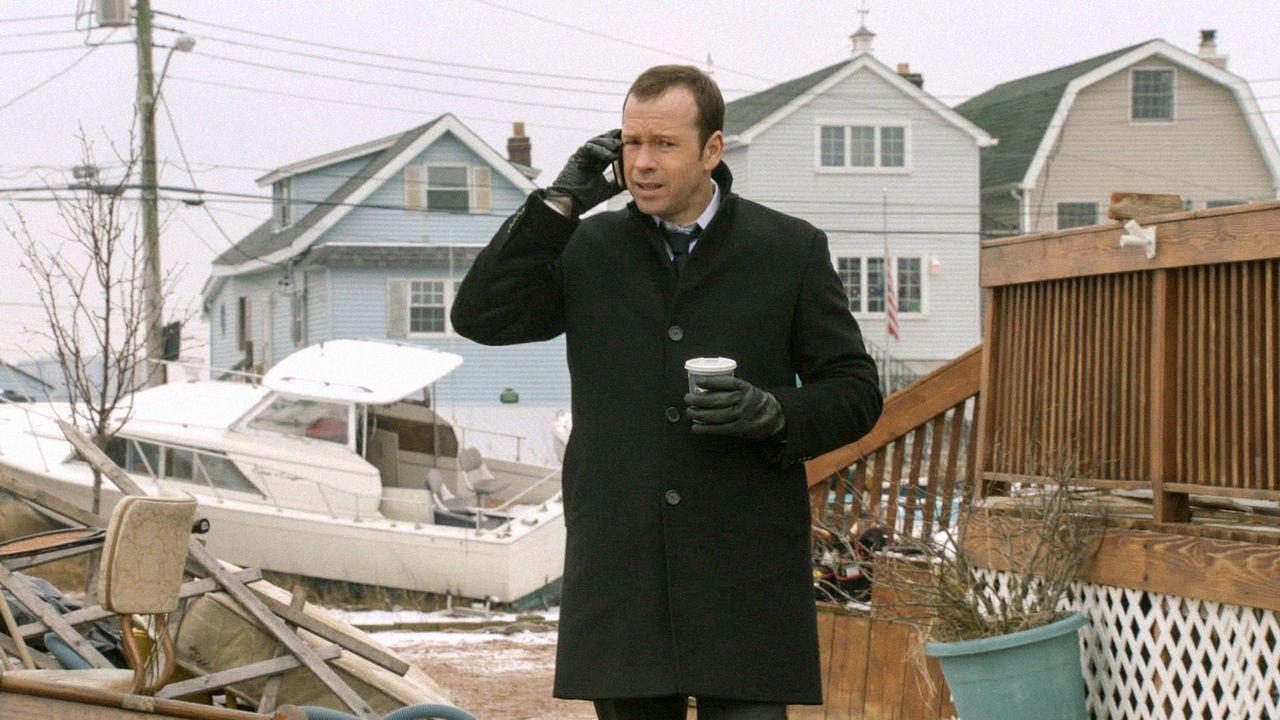 Einen 15 Jahre alten Mord aufklären? Danny (Donnie Wahlberg) erhofft sich Hilfe von einem sich längst in Rente befindenden Cop ... - Bildquelle: Jojo Whilden 2013 CBS Broadcasting Inc. All Rights Reserved.