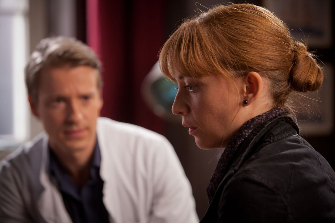 Als der kleine Kevin an Leukämie erkrankt, benötigen Nina und David (Max von Pufendorf, l.) dringend einen Knochenmarkspender. Weil seine alleinerzi... - Bildquelle: Conny Klein SAT.1