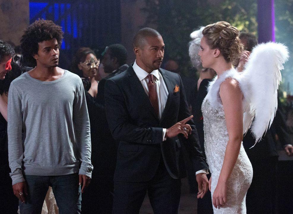 Marcel lässt Cami stehen - Bildquelle: Warner Bros. Entertainment Inc.