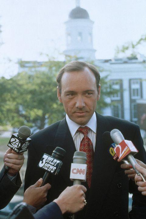Staatsanwalt Rufus Buckley (Kevin Spacey) will den spektakulären Fall als Karriereschub missbrauchen ... - Bildquelle: Warner Bros.