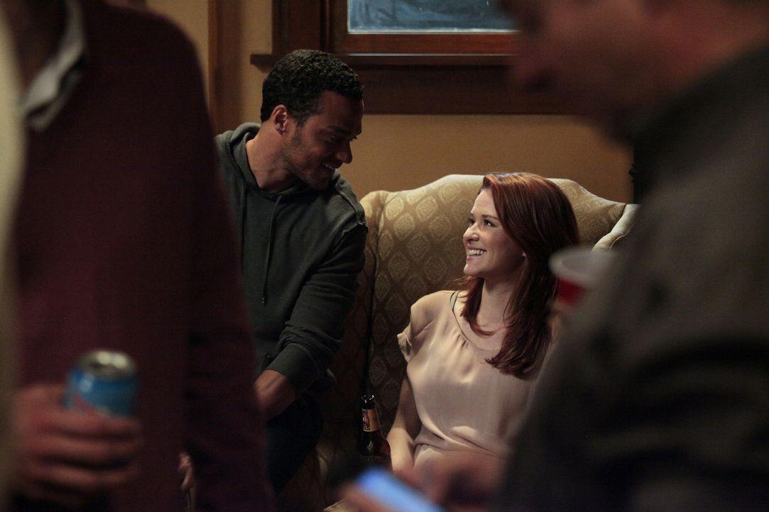 Haben die beiden eine Chance auf eine gemeinsame Zukunft? Jackson (Jesse Williams, l.) und April (Sarah Drew, r.) - Bildquelle: Touchstone Television