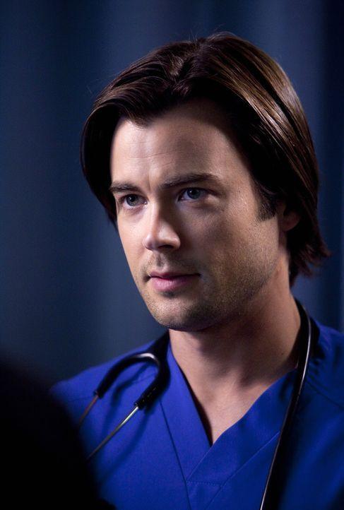 Dr. James Peterson (Matt Long), ein neuer Arzt, tritt seinen Dienst im Saint Ambrose Krankenhaus an ... - Bildquelle: ABC Studios