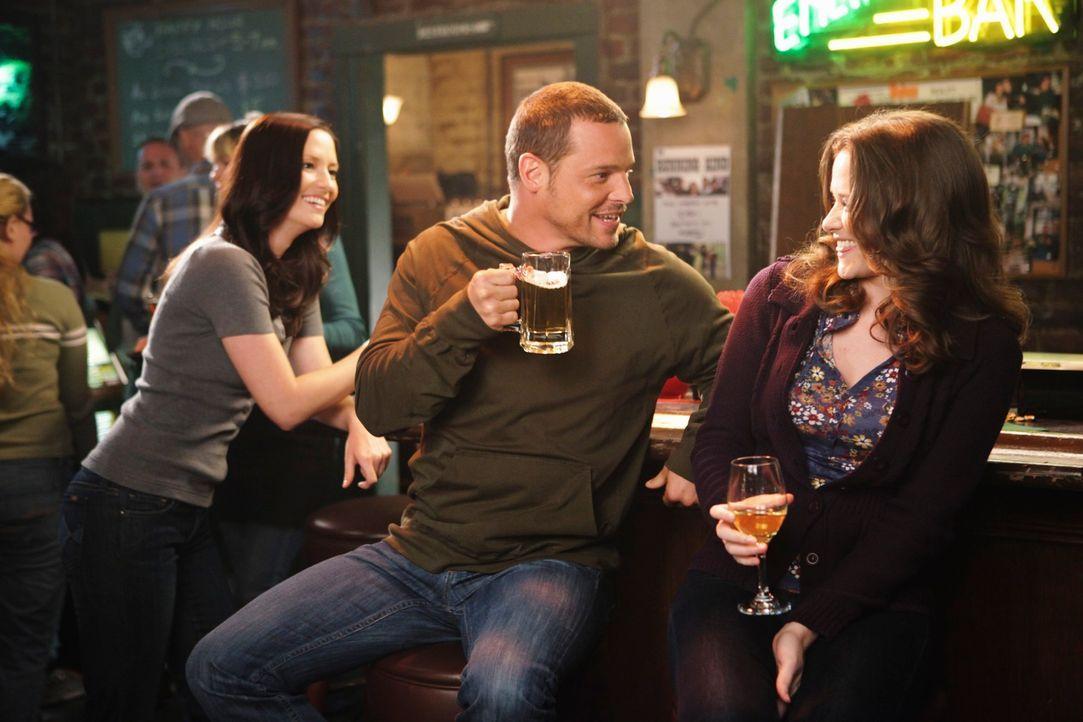 Haben einen anstrengenden Tag hinter sich: Lexie (Chyler Leigh, l.), April (Sarah Drew, r.) und Alex (Justin Chambers, M.) .. - Bildquelle: ABC Studios