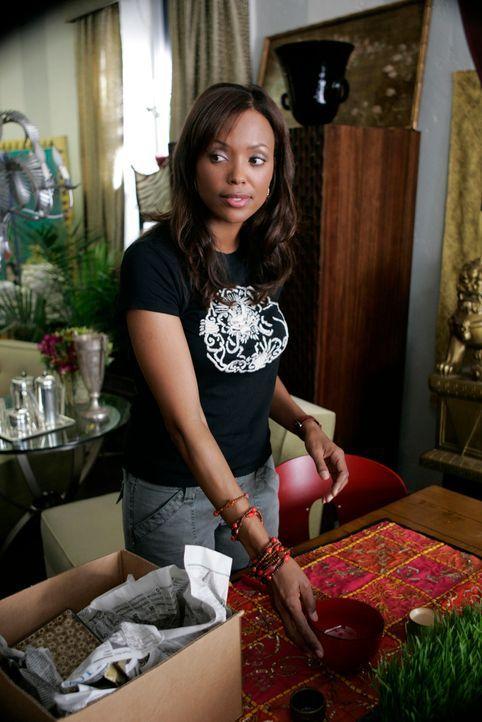 Im Antiquitätengeschäft ihrer Freundin hat Andrea Moreno (Aisha Tyler) alle Hände voll zu tun ... - Bildquelle: ABC Studios